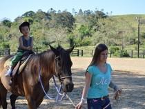 Passeio a cavalo para as crianças
